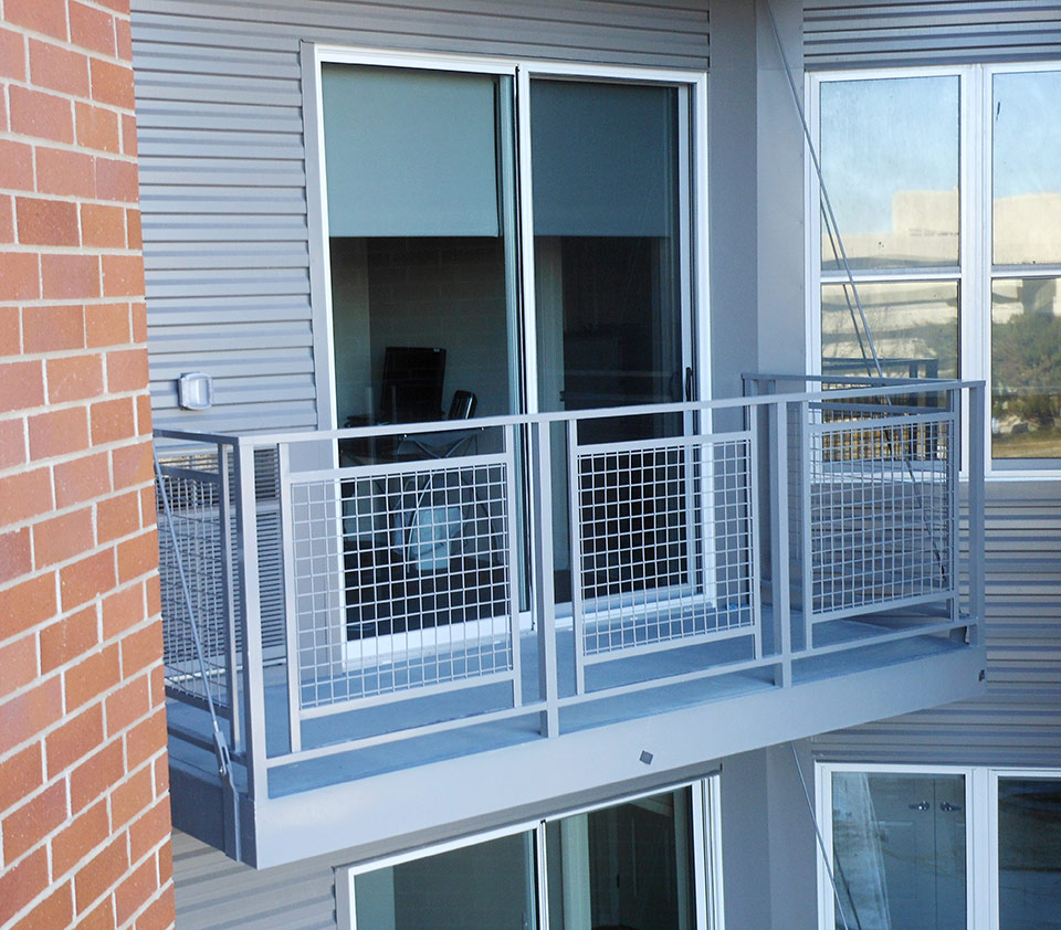 bolt-on-balcony-mesh-railing
