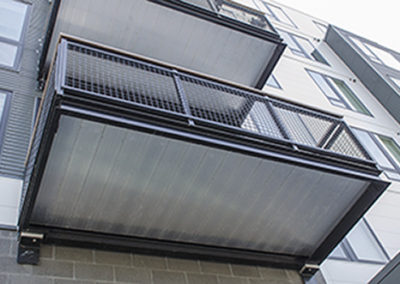 black grid aluminum railing-NorthEnd7649LR